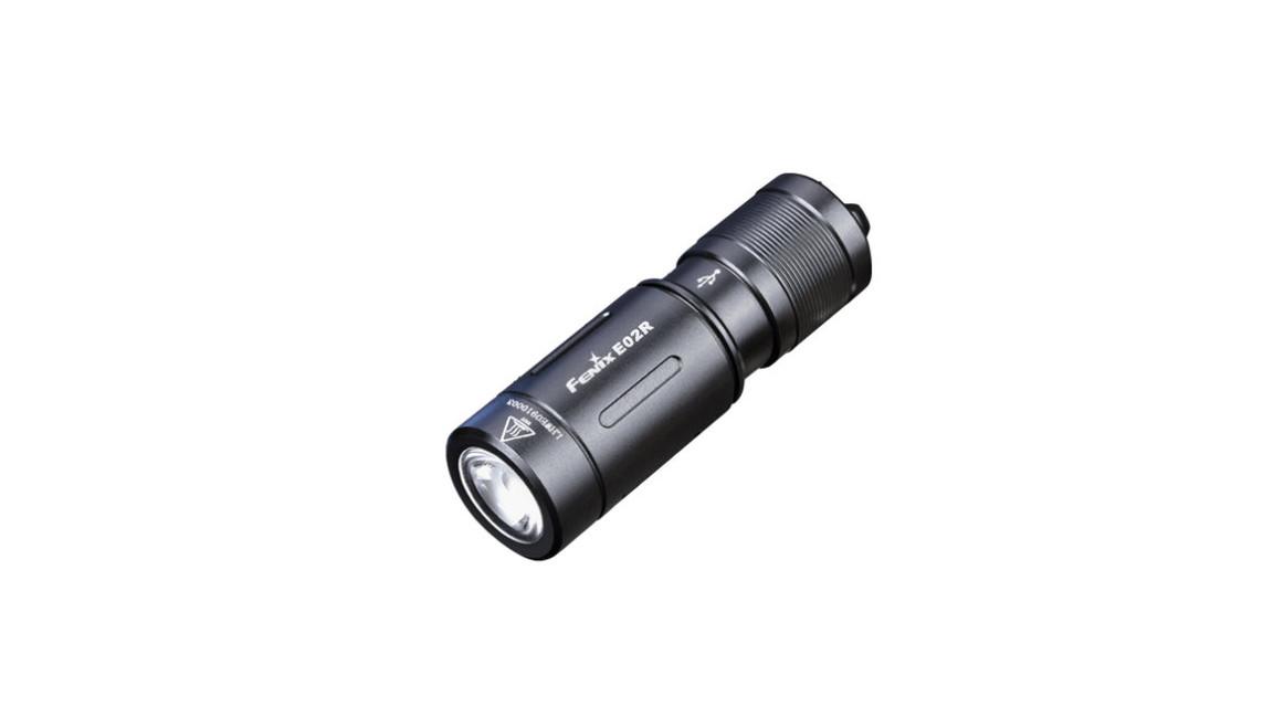 Fenix kapesní svítilna E02R