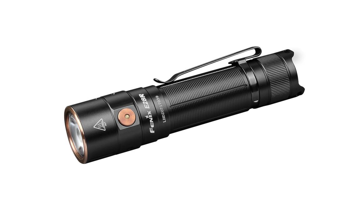 Fenix nabíjecí svítilna E28R