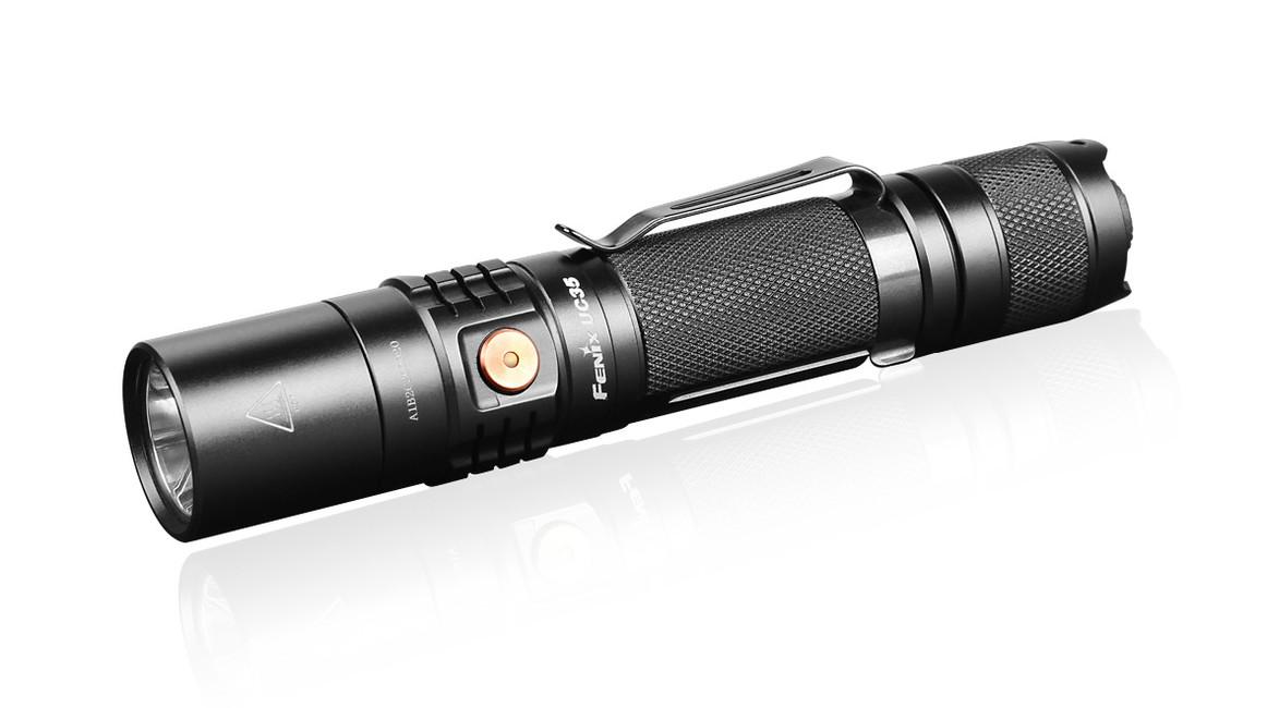 Nabíjecí svítilna Fenix UC35 XP-L, 1000 lumenů